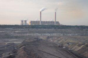Belchatow brunkolkraftverk utanför Lodz
