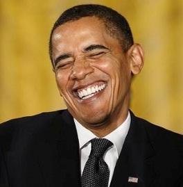 Obama skrattar