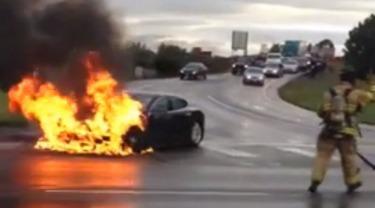Tesla_fire1
