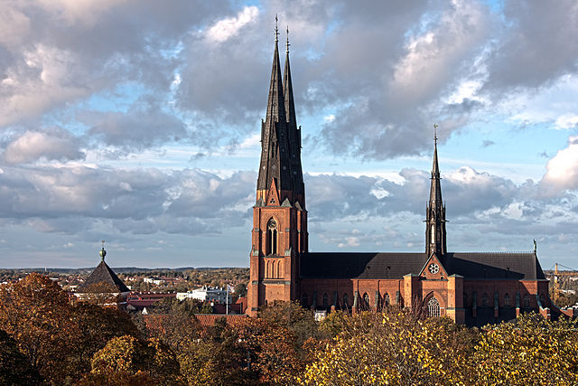640px-Uppsala_domkyrka_i_oktober_2011