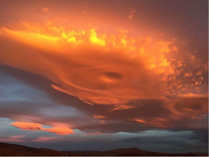 spaceship-lenticular-cloud