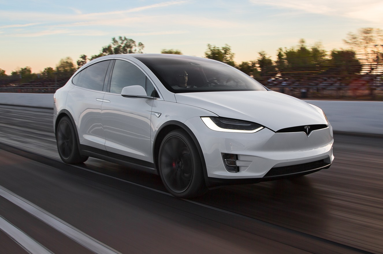 Tesla-Model-X-P90D
