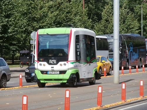 Bus_autonom